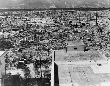 Hiroshima_Mahnwache_2014 2